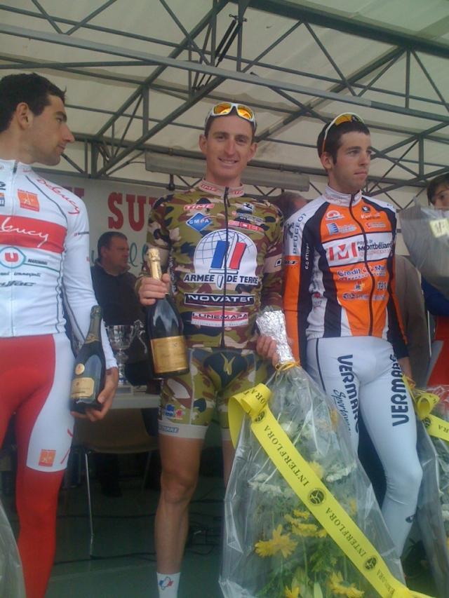 Benoit peut sabrer le champagne - next picture